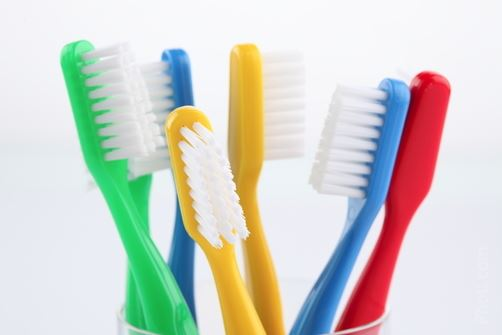 Outils Fimo de base : brosse à dents